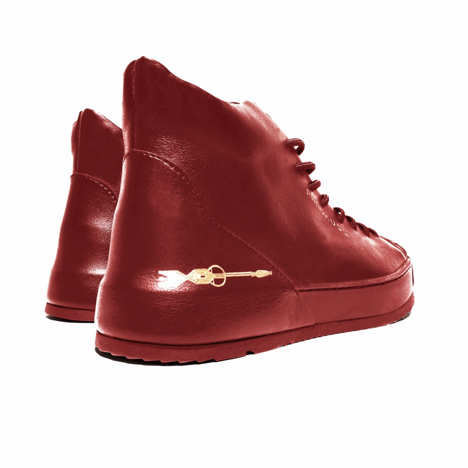 HARMONY RED